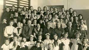 Учащиеся и преподаватели школы, 1949 год